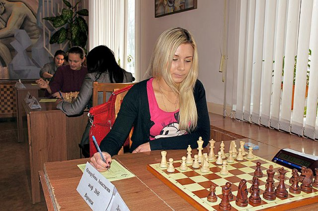 http://www.obninskchess.ru/chess/images/phocagallery/0ph12/cfoj12/thumbs/phoca_thumb_l_005.jpg