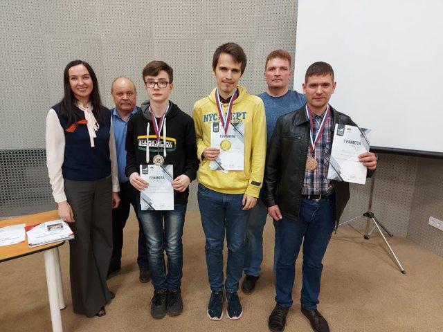 Победителем турнира по быстрым шахматам, посвященного Дню Победы стал Евгений Коженков