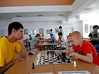 В шестом туре главного турнира «Кубка ректора ЕГУ» игра шла до «голых» королей