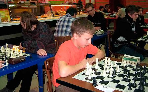 Тринадцатилетний кандидат в мастера спорта Данила Билан выиграл полуфинал первенства Обнинска