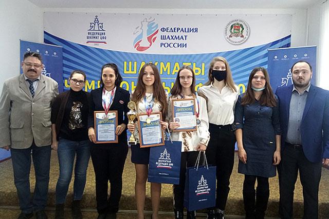В чемпионате ЦФО среди женщин по классическим шахматам победительницей стала Дарья Хохлова из Курской области